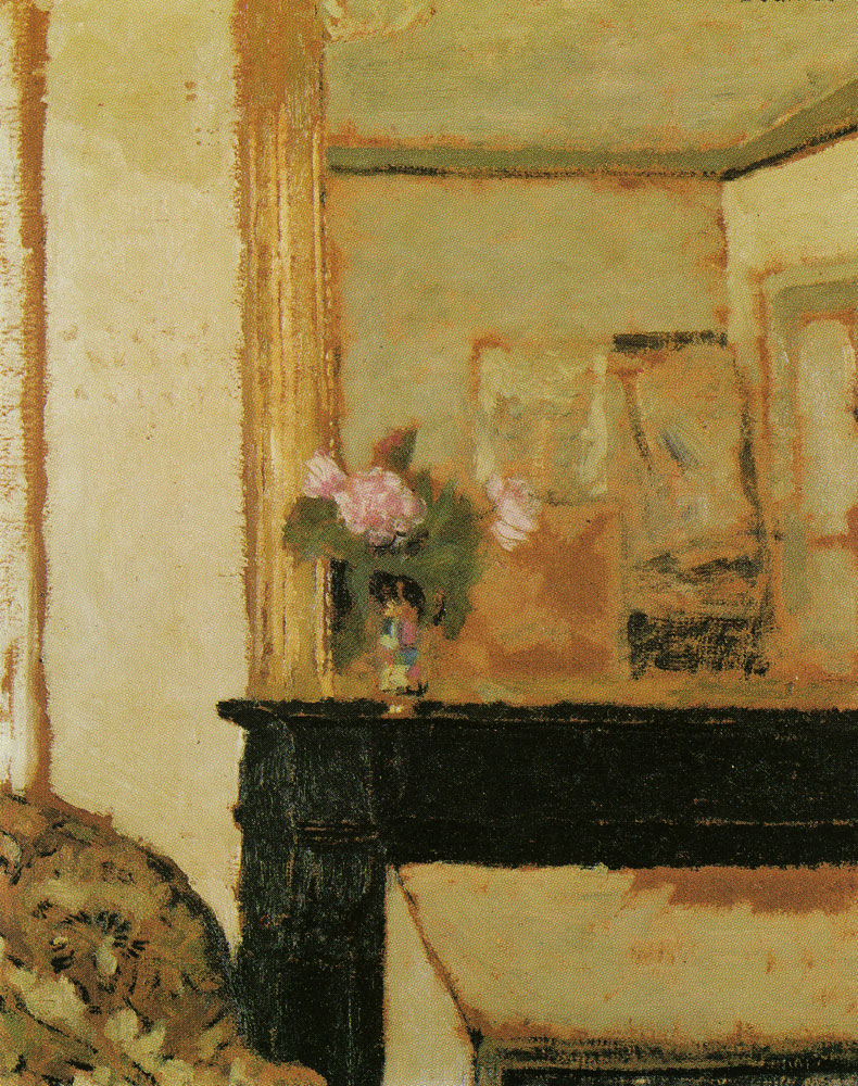 Edouard Vuillard - Vase of Flowers on a Mantelpiece